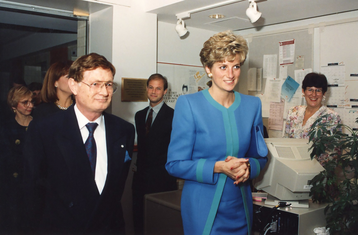 Dr. Keon tours Princess Diana through Prevention facilities at the Ottawa Heart Institute.