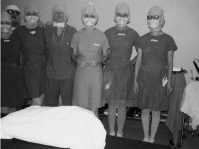 Jour de l'ouverture de la salle d'opération (origine de l'Institut de cardiologie) à l'Hôpital Civic, 1976.