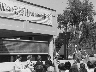 Ouverture de la deuxième phase de l'Institut de cardiologie, 11 septembre 1983.