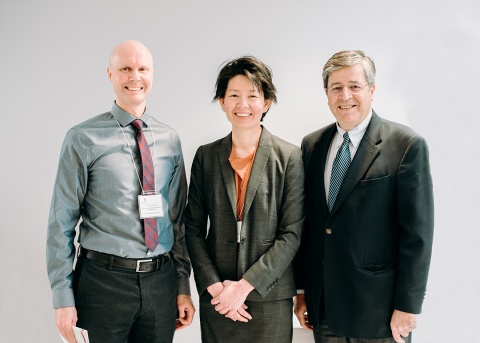 Dr. Erik Suuronen (left), Chair, Research Day Committee; Dr. Sharon Chih (centre), Co-Chair, Research Day Committee; Dr. Thierry Mesana (right), CEO, UOHI