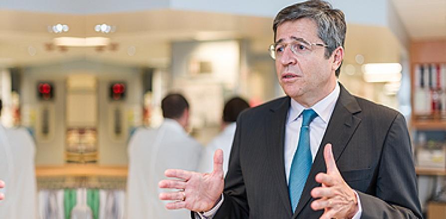 Dr Thierry Mesana