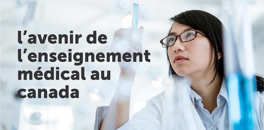 Une technicienne de laboratoire manipule une éprouvette